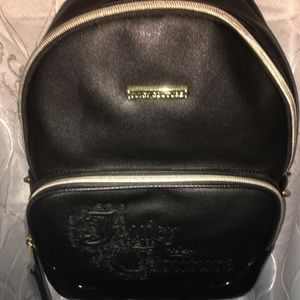 🌷NWT black & gold details juicy couture backpack